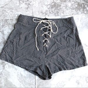 LF Rumor Boutique Printed Lace Up Shorts Black XS